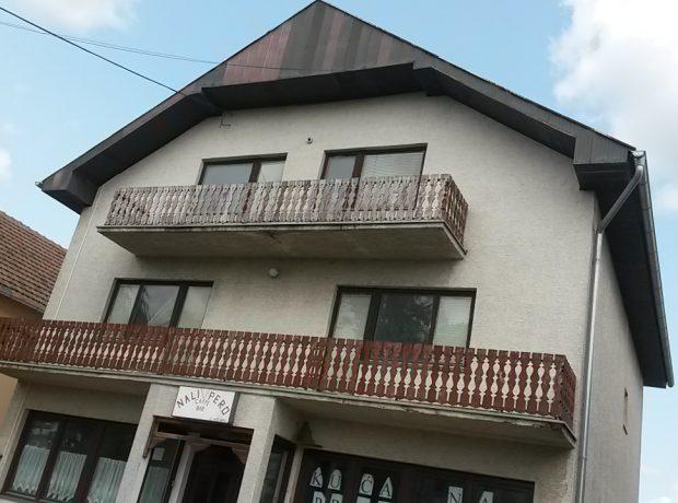 Kuća Laćarak poslovno- stambeni objekat