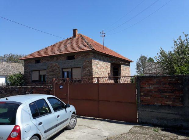 Kuća u Kuzminu