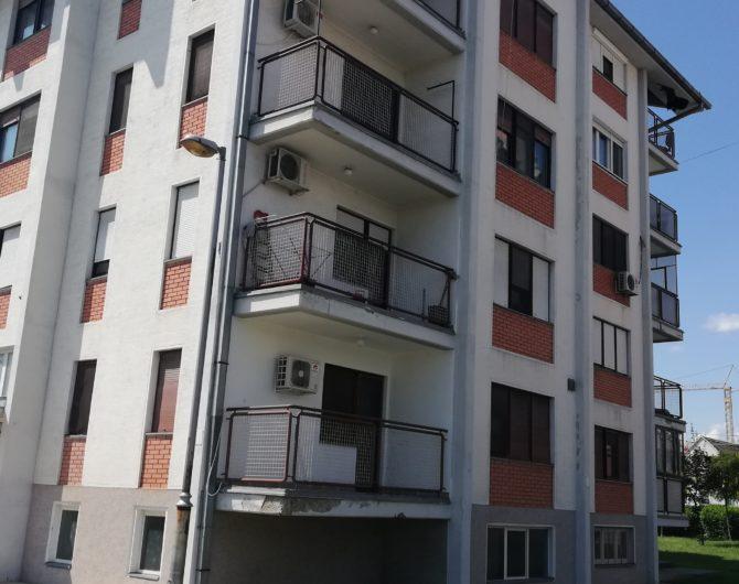 DVOSOBAN STAN- SPORTSKI CENTAR