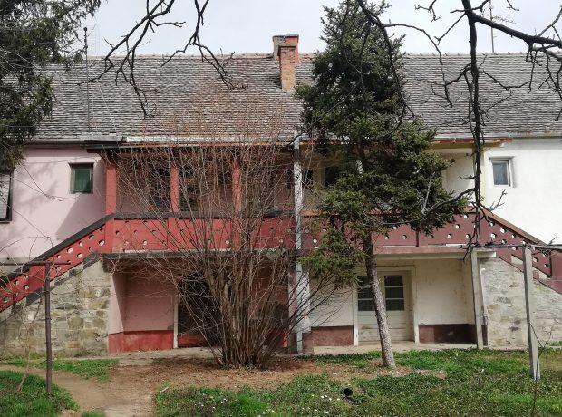 KUĆA DVOJNA-Mačvanska Mitrovica
